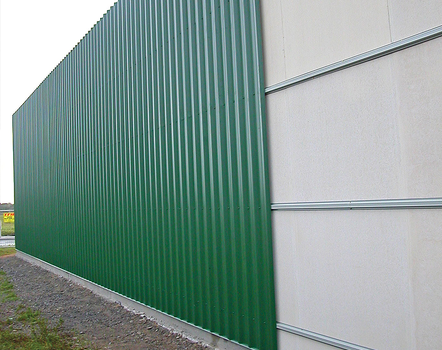 Stramit Uniguard™ fire resisting boundary wall system in green