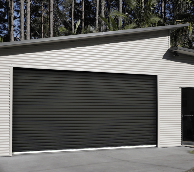 Shed with a Tauean Novataur residential roller door
